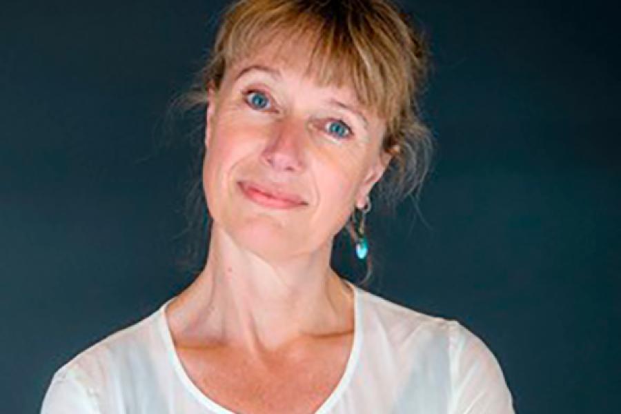 """Christine Tjalve: """"Jeg skriver om mennesker, der bakser med deres plads og rolle i livet."""""""