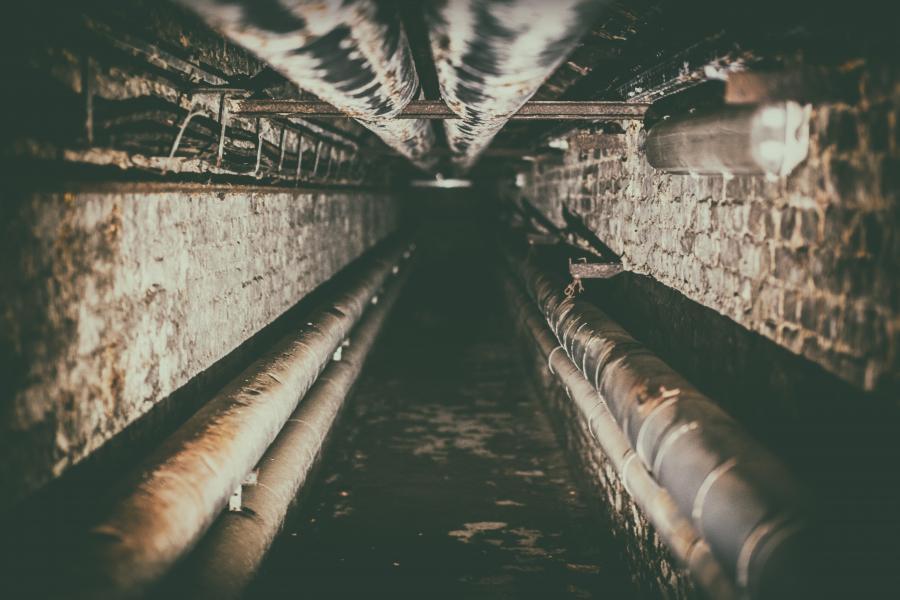 En mørk tunnel. Foto: Unsplash