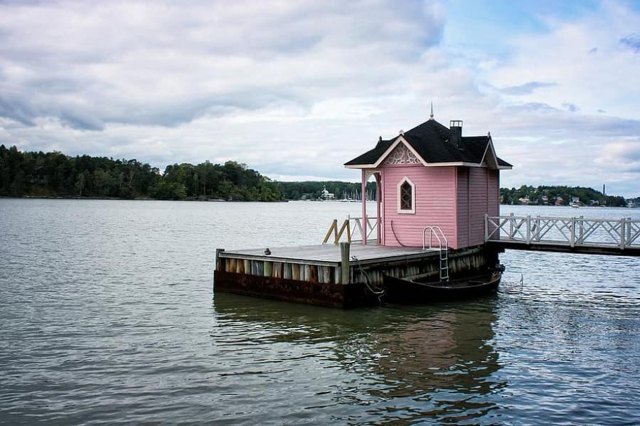 En sauna spiller en rolle i blandt andet Testamente af Nina Wähä